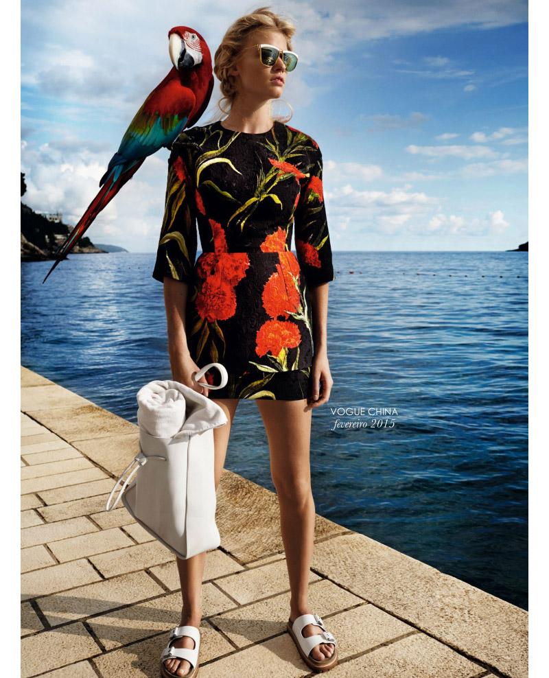 living-gazette-barbara-resende-moda-editorial-verao-vogue-china-fev-2015-lara-stone-mario-testino