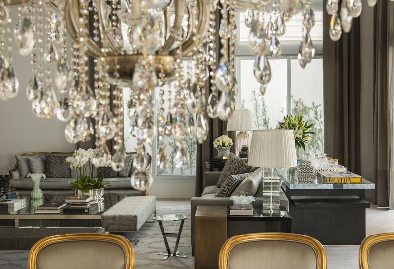 Elegância contemporânea em sala por Christina Hamoui - Living Gazette