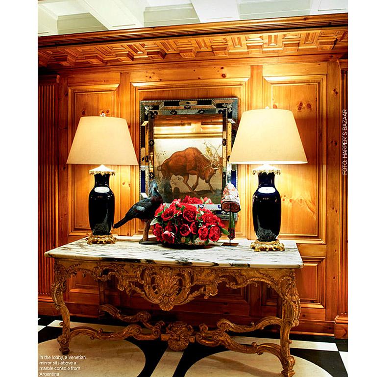 living-gazette-barbara-resende-decor-tour-tory-burch-apartment-ny-hall