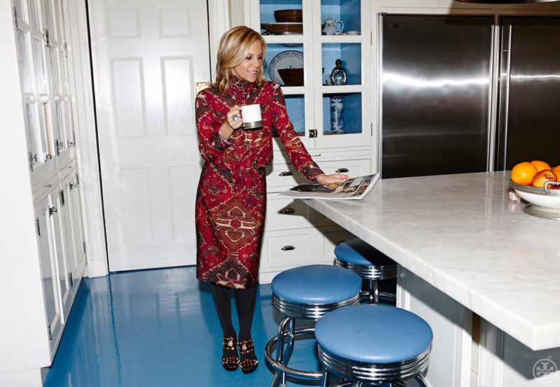 living-gazette-barbara-resende-decor-tour-tory-burch-apartment-ny-kitchen
