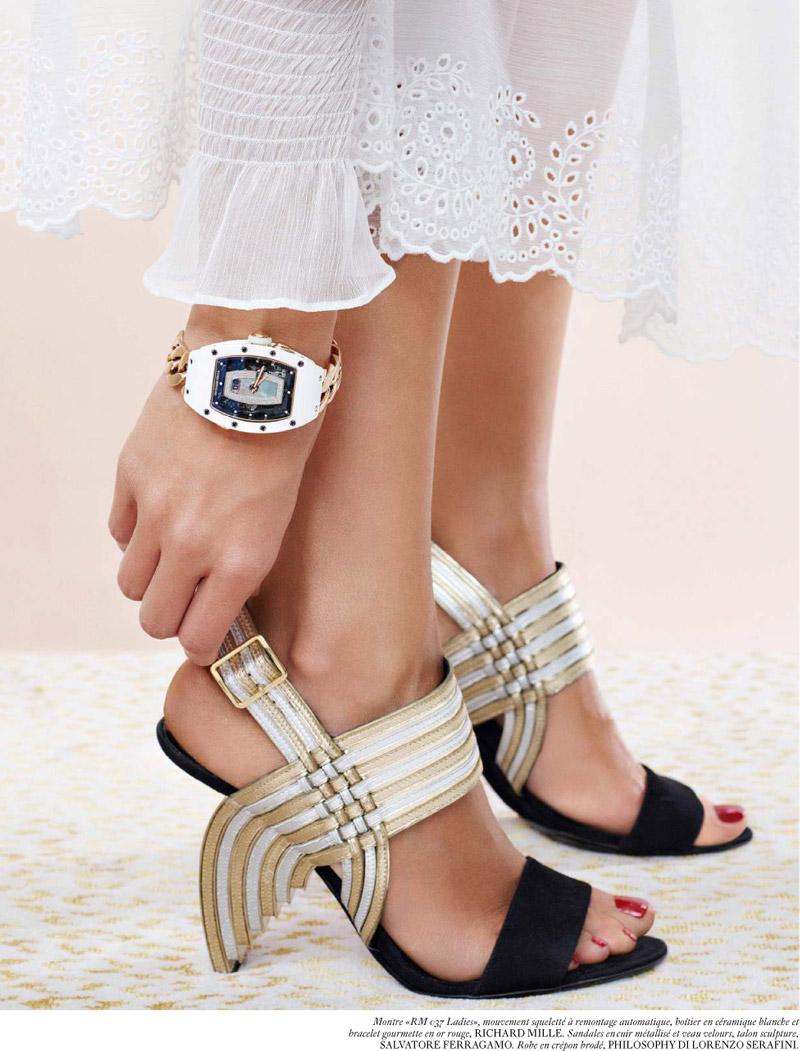 living-gazette-barbara-resende-moda-styling-editorial-vogue-paris-sandals-salvatore-ferragamo