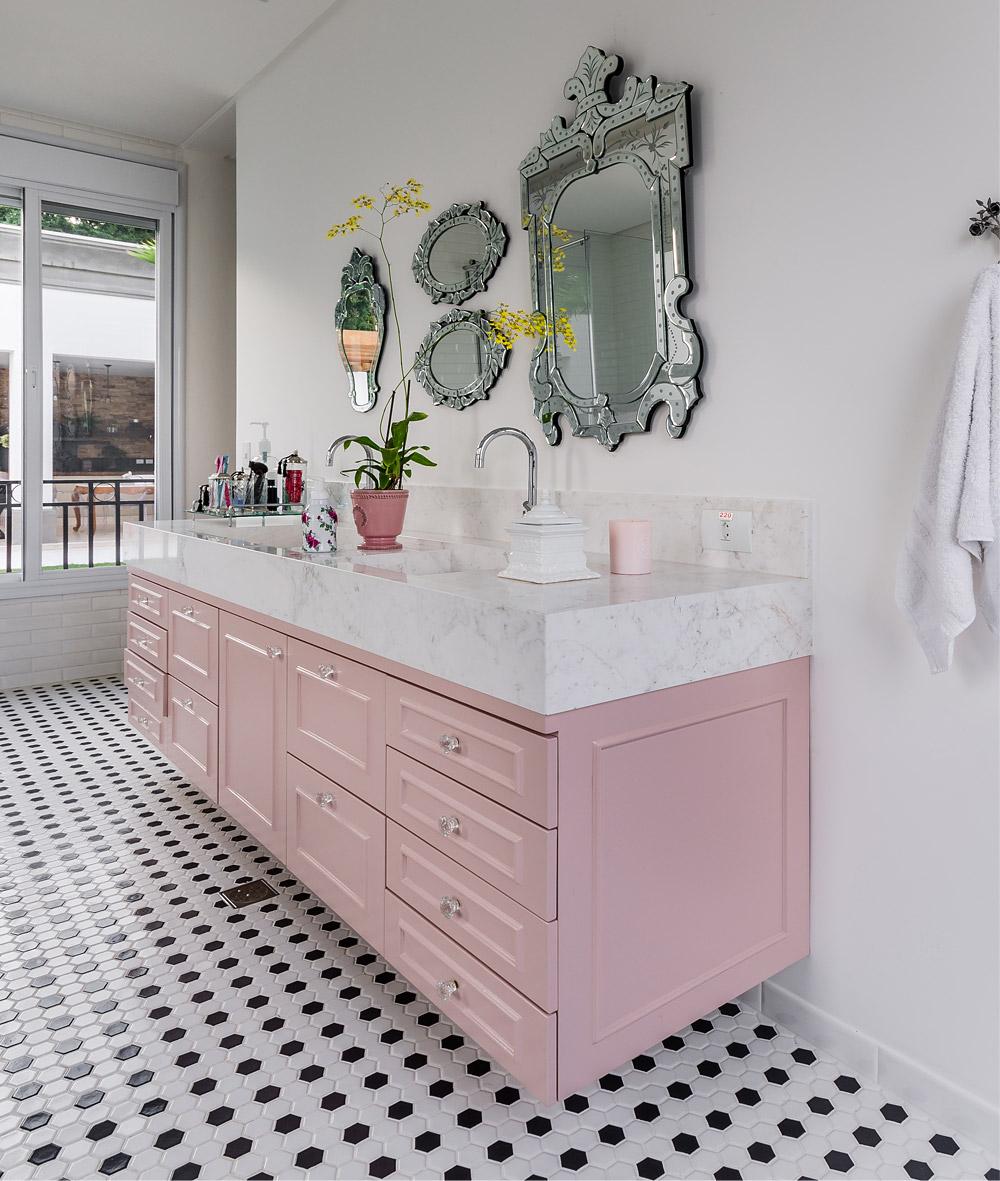 Banheiro retrô e romântico  Living Gazette -> Pia De Banheiro Rosa